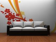 Sofa zuhause mit einem Muster auf der Wand Stockfotografie