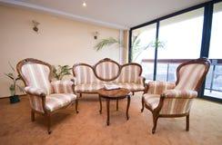Sofas d'entrée d'hôtel Image libre de droits