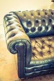 Soffagarnering i livingroominre Arkivbilder