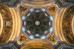 Soffitto della chiesa a Vienna immagini stock