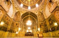 Soffitto dentro la cattedrale antica con gli affreschi Immagini Stock Libere da Diritti