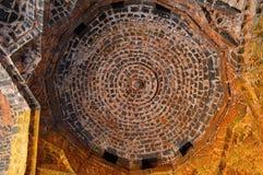 Soffitto di pietra dentro la fortificazione teenager di Darwaja Panhala, Kolhapur, maharashtra Fotografia Stock Libera da Diritti