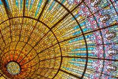 Soffitto di vetro macchiato del palazzo di musica catalana Immagini Stock Libere da Diritti