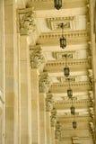 Soffitto, lampade e colonne Fotografie Stock Libere da Diritti