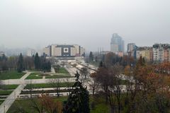 Sofia, Bu?garia, Listopad/- 2017: Balkonowy widok Krajowy pa?ac kultura NDK wielka, wielofunkcyjna konferencja, zdjęcia stock
