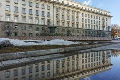 SOFIA BUŁGARIA, LUTY, - 5, 2017: Zima widok Poprzedni partia komunistyczna dom w Sofia Zdjęcia Stock