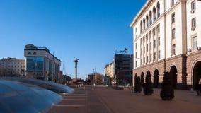 SOFIA, BULGARIA - 20 DICEMBRE 2016: Quadrato di Nezavisimost di indipendenza a Sofia Immagine Stock