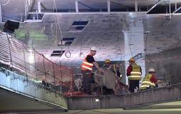 Sofia Bulgarien - April 19, 2016: Järnvägen av gångtunnelen under de sista momenten av tunnelkonstruktionen Arkivfoto