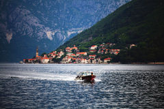 Sofia, BULGARIEN - 15. Juni: Touristische Exkursionsbootsreise auf einem Yacht jn am 16. Juni 2014 Stockbild