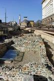 SOFIA, BULGARIEN - 17. MÄRZ 2018: Moschee Banya Bashi und Ruinen von altem Serdica in Sofia Lizenzfreies Stockfoto