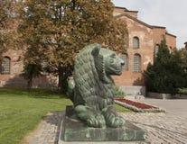 Sofia Bulgarien, monument till lejonet Royaltyfria Bilder