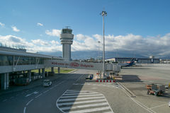 SOFIA, BULGARIEN - NOVEMBER 2016: Äußeres von Sofia International Airport eingelassenem Sofia, Bulgarien am 13. November 2016 Stockfotos