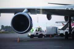 Sofia, BULGARIJE - JUNI 13: scheep de vliegtuigen vóór start op 13 JUNI, 2014 in Royalty-vrije Stock Foto