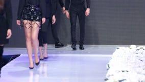 Sofia Fashion Week nur Fahrwerkbeine stock video