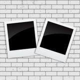 Sofortige Fotos auf Schmutz-Ziegelstein-Hintergrund-Vektor-Illustration Lizenzfreie Stockbilder