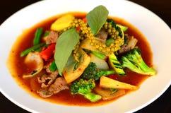 Sofrito de la carne de vaca con la salsa y las verduras de chile Imagen de archivo libre de regalías