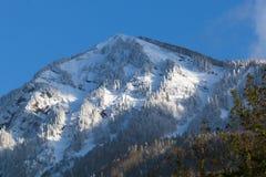 sofrudzhu горы дня caucasus dombay солнечное ландшафт зимы, Сочи, Россия Стоковое фото RF