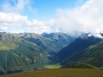 sofrudzhu för berg för caucasus dag solig dombay Fotografering för Bildbyråer