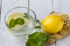 Soft drink with lemon Royalty Free Stock Images