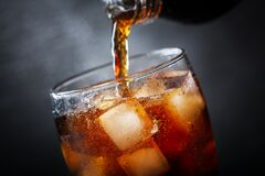 Free Soft Drink, Pouring Cola Into Glass Stock Photos - 185338983