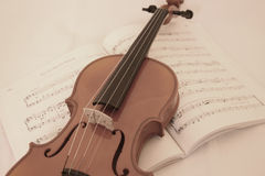 Soft Violin. Violin on musicsheet Royalty Free Stock Photos