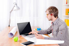 Free Software Engineer At Work Royalty Free Stock Photo - 92340305