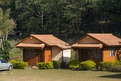 Soggiorno della casa e della località di soggiorno in paesino di montagna Fotografie Stock