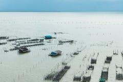 Soggiorno domestico al paesino di pescatori nel mare immagine stock libera da diritti