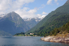 Sognefjord chez Balestrand image stock