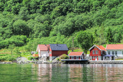 Sognefjord - fiorde em Noruega, mola imagem de stock royalty free
