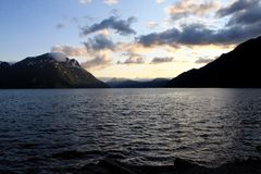 Sognefjord-Sonnenuntergang Stockfoto