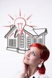 Sogni dai capelli rossi della ragazza della vostra propria casa fotografie stock