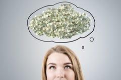Sogno capo biondo dei pacchetti dei soldi Immagine Stock Libera da Diritti