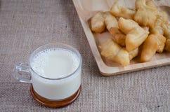 Soi mleko i Patongko z smażącym chlebowym kijem Obraz Royalty Free