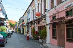 Soi Rommanee - en la ciudad vieja de Phuket de la ciudad foto de archivo libre de regalías