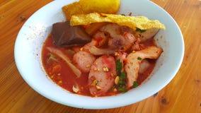 Soicy aigre de soupe à nouille photos libres de droits