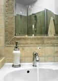 Soie dans la salle de bains Photographie stock libre de droits