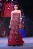 Soie de ` de défilé de mode de ` du Siam à l'exposition de BiTec image stock
