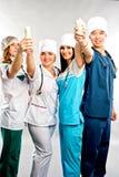 soigne le sourire médical D'isolement au-dessus du fond blanc images libres de droits