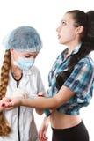 Soignez faire l'injection vaccinique photo stock