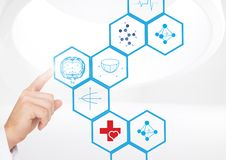 Soignez toucher les icônes médicales digitalement produites sur le fond blanc Photos libres de droits