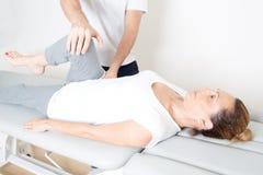 Soin de chiropractie Photos libres de droits