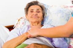 Soin pour des personnes âgées Photo stock