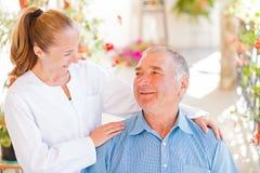 Soins à domicile pluss âgé Photos libres de droits