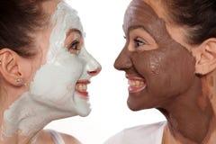 Soins de la peau et amitié faciaux Photos libres de droits