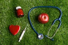 Soins de santé de stéthoscope et de coeur Image libre de droits