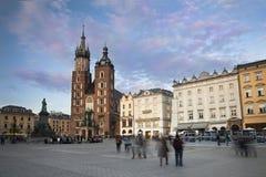Soirée à la place principale de Cracovie Photographie stock libre de droits