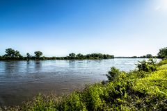 Soirée au parc du fleuve Missouri photos stock