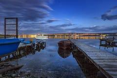 Soirée au port de fishinh Photographie stock libre de droits