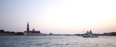 Soirée au remblai de Venise image stock